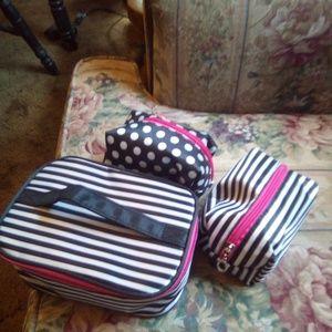 3 make-up bags